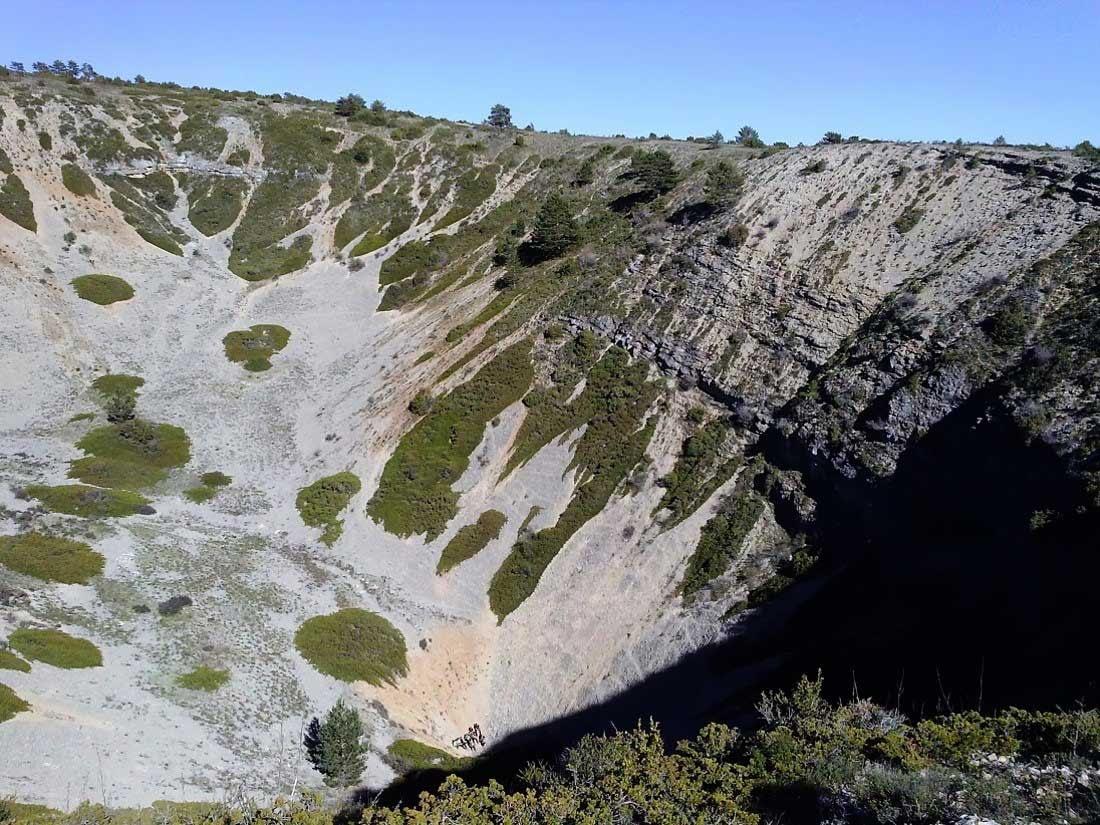 Dolina en embudo en la Sierra de Albarracín